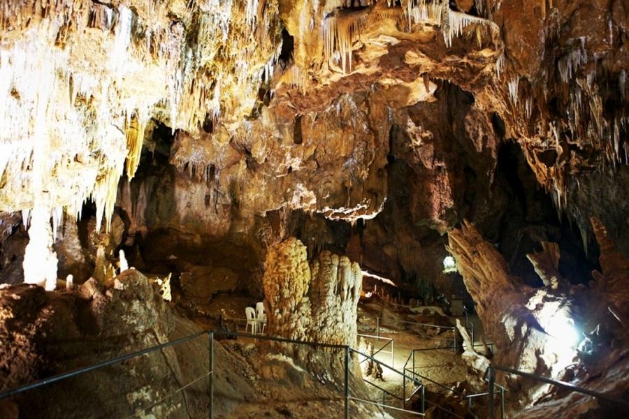 Grotte_di_Is_Zuddas.jpg