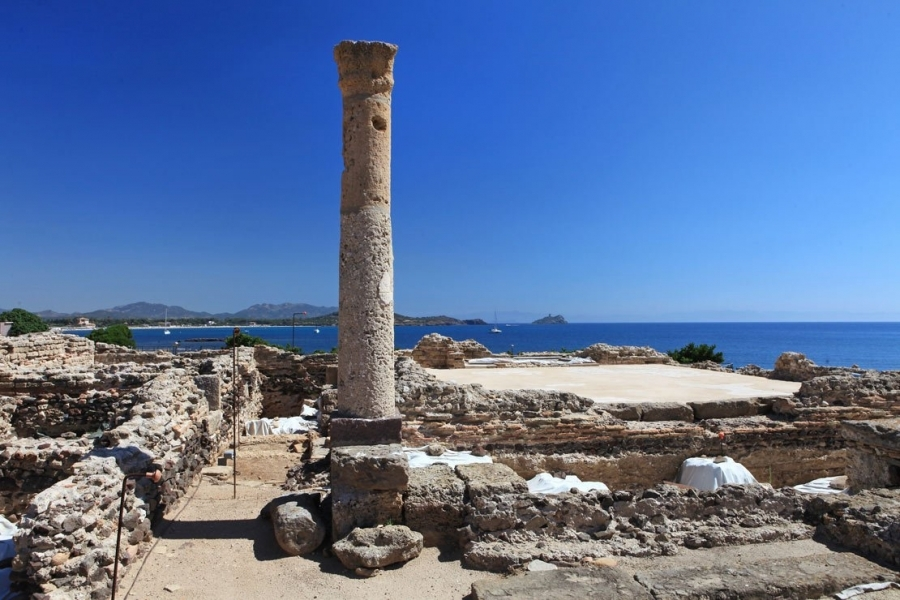 Resti_archeologici_di_Nora_-_Sardegna.jpg