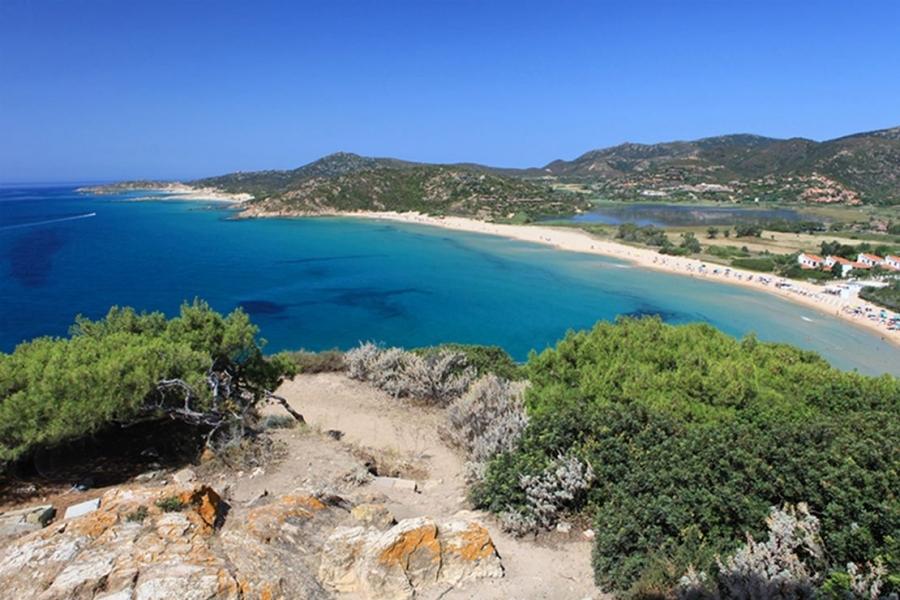 Spiaggia-di-Tuerredda-in-Sardegna-Italia.jpg